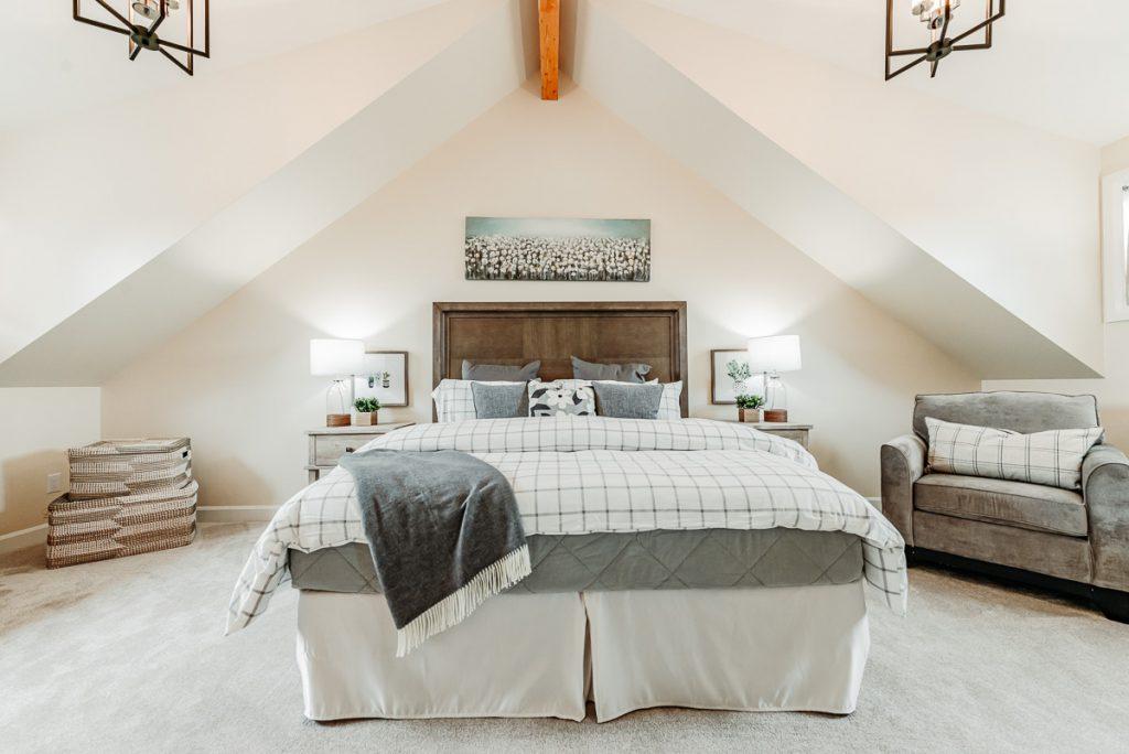 almonte bedroom